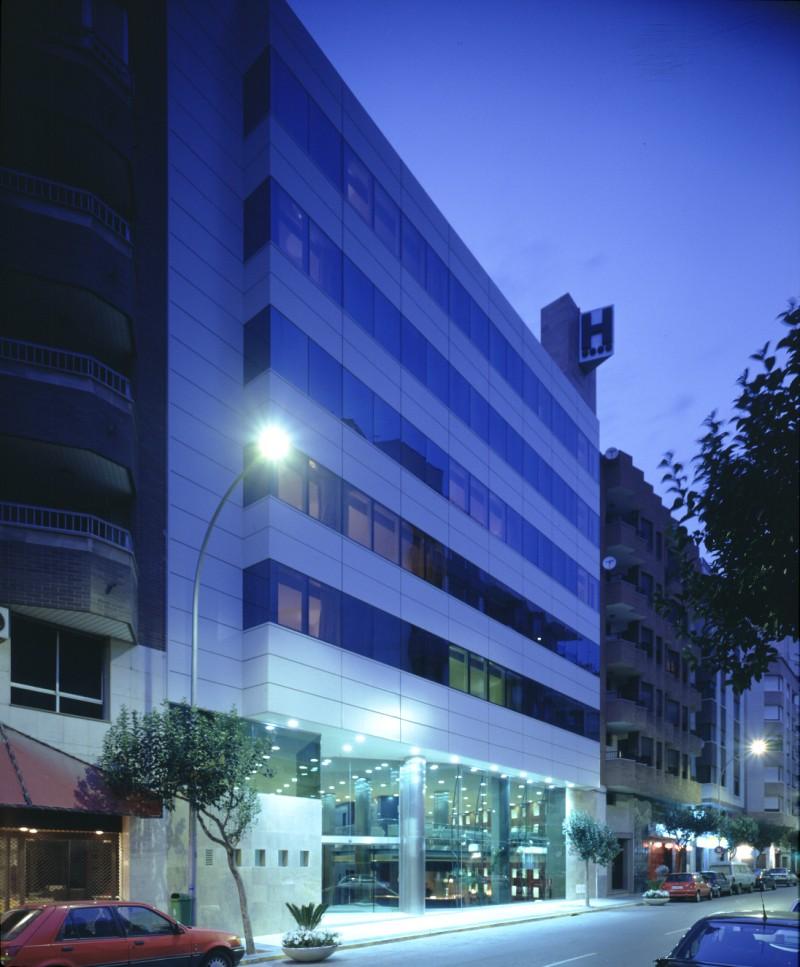 2027-Hotel_Center (1)